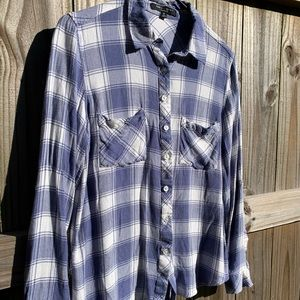 Romeo and Juliet Couture   Plaid Button Up